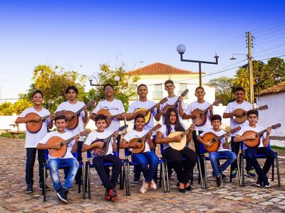 Escola-de-Bandolis-dona-Petinha